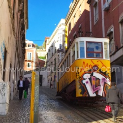 Funicular tram Elevador dá Gloria