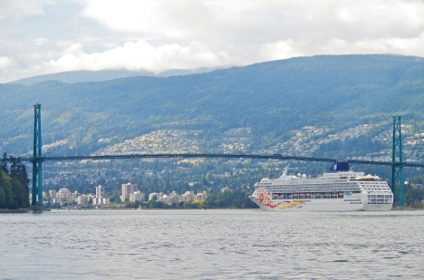 Norwegian Sun leaving the port of Vancouver.