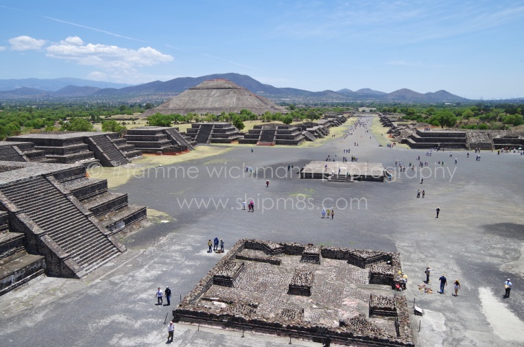 Discover the wonders of Planet Earth - Pyramids in Teotihuacán, Mexico