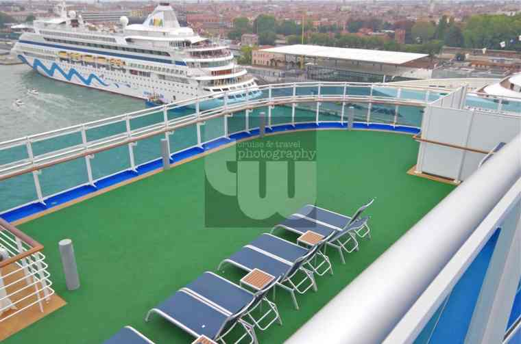 Royal Princess - Sun deck